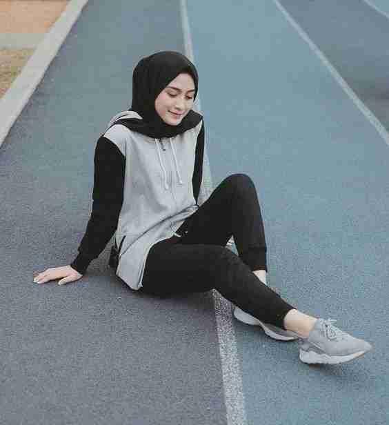 Cantik dan Nyaman, Ini Oufit Olahraga untuk Wanita Berhijab - woke.id