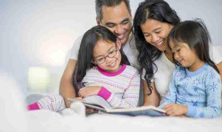 membaca rapor anak