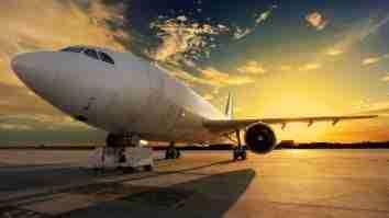 aturan penerbangan domestik dan intrnasional tiap maskapai naik pesawat